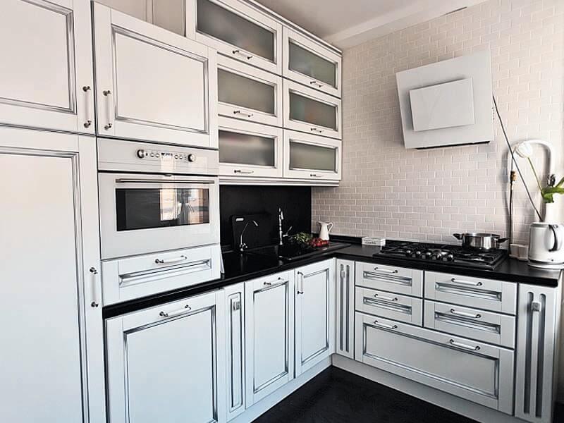 Кухня с патиной серебро